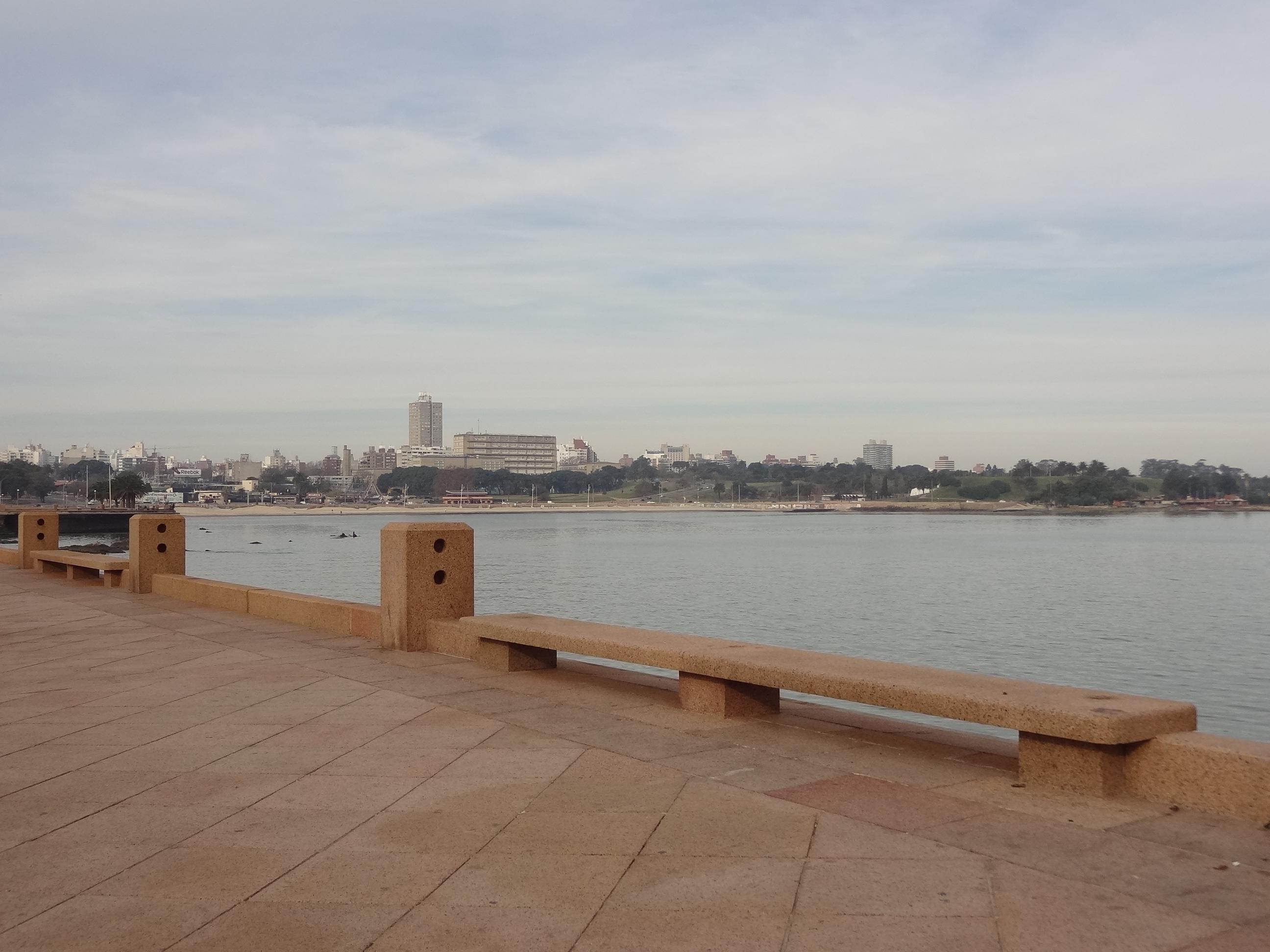 Uruguai-Montevideu-La-Rambla-Roteiro-Turismo Montevidéu - Conheça a Capital do Uruguai