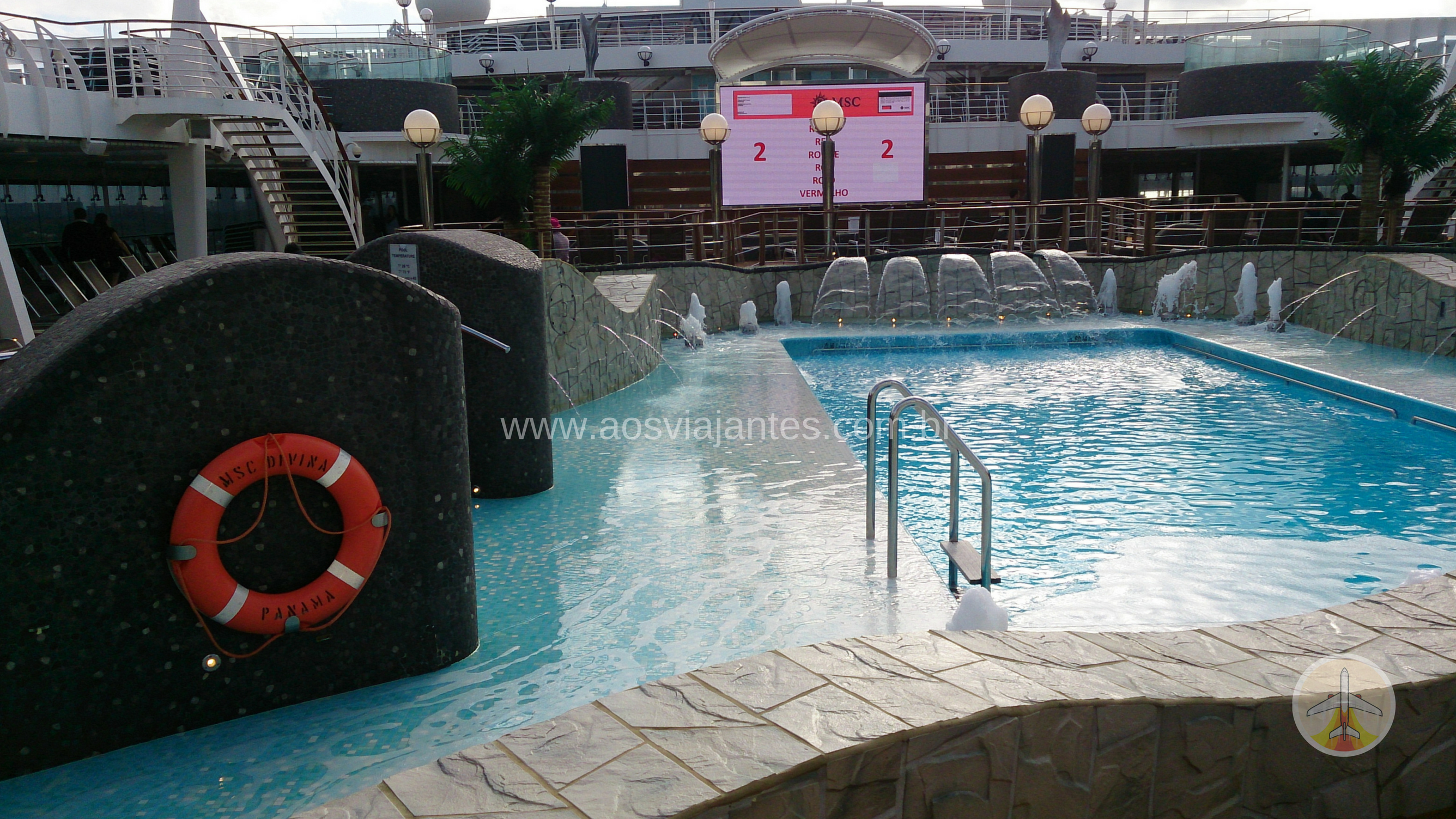 porque-fazer-um-cruzeiro-piscinas Porque fazer um cruzeiro no Caribe? (10 motivos e 1 bonus!)