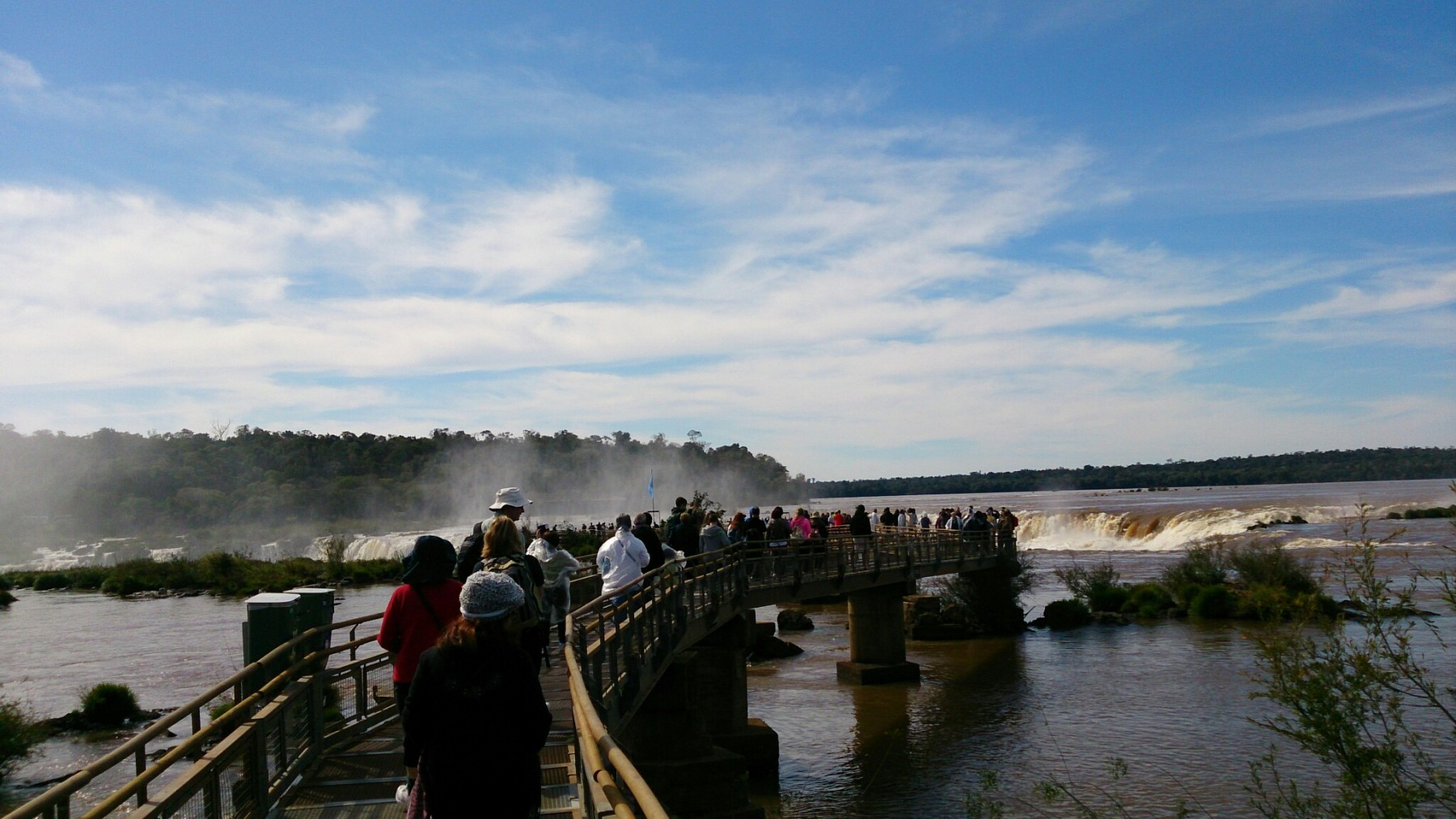 Roteiro-foz-do-iguaçu-cataratas-argentina-1800x1012 Roteiro Foz do Iguaçu Completo (e ÉPICO) - 3 a 5 dias