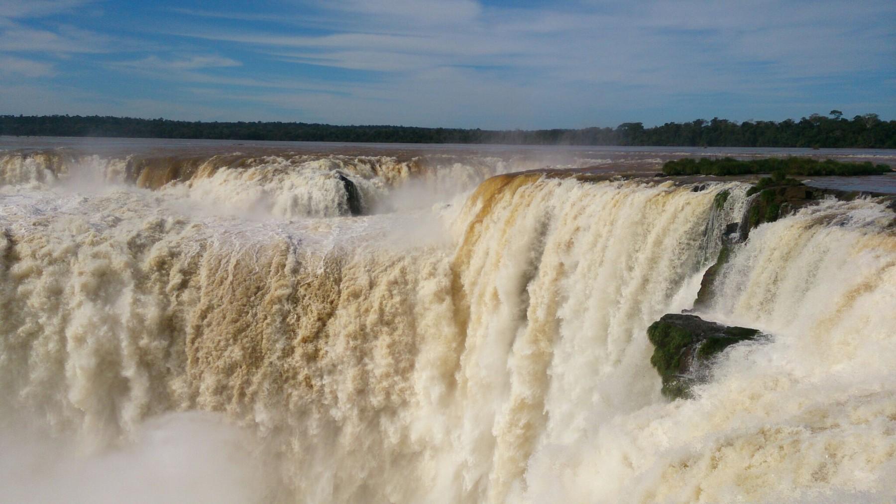 Roteiro-foz-do-iguaçu-cataratas-argentina-6-1800x1012 Roteiro Foz do Iguaçu Completo (e ÉPICO) - 3 a 5 dias