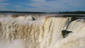 Roteiro-foz-do-iguaçu-cataratas-argentina-6-300x169 Roteiro Foz do Iguaçu Completo (e ÉPICO) - 3 a 5 dias