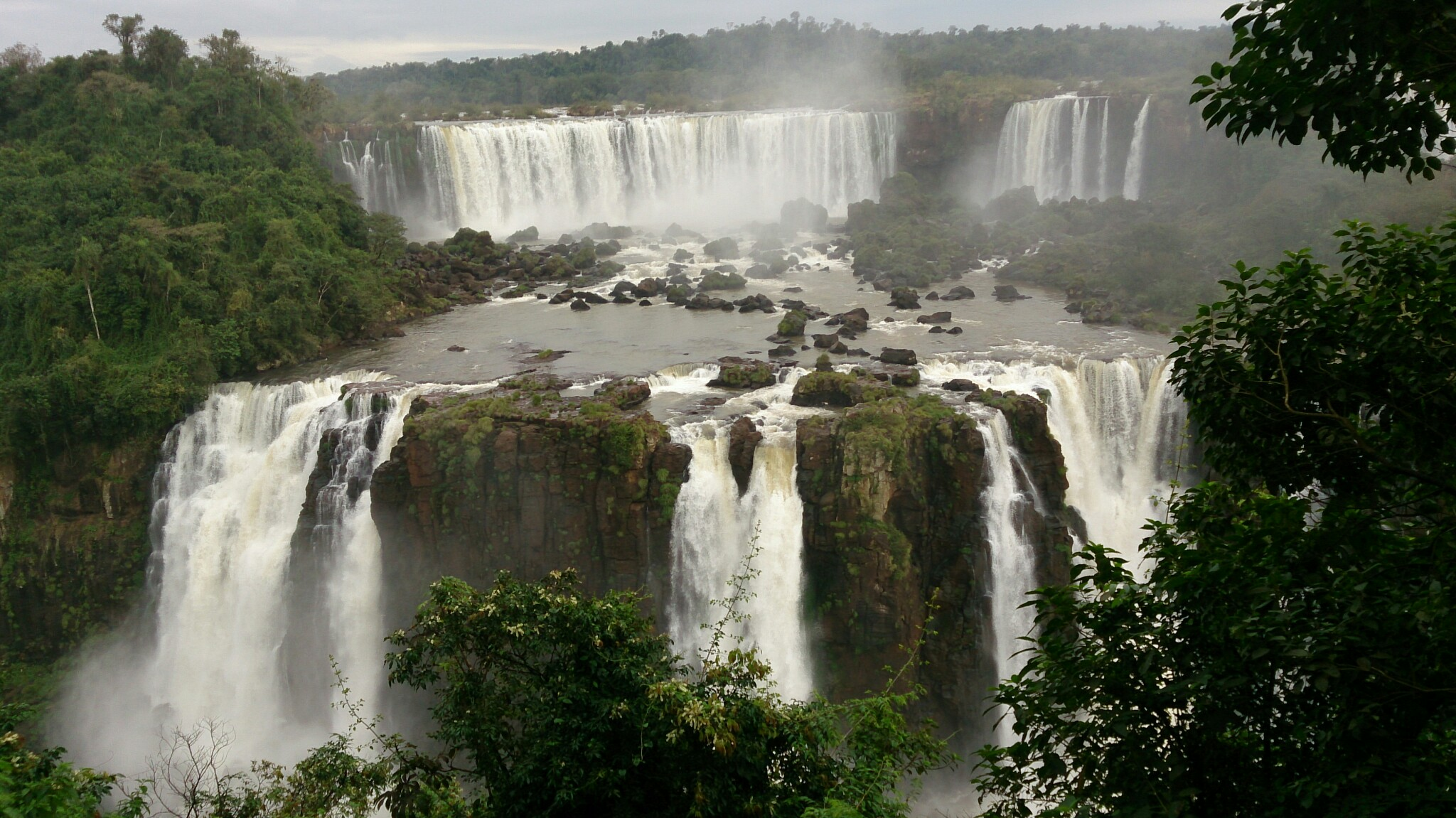 Roteiro-foz-do-iguaçu-cataratas-brasil-1 Roteiro Foz do Iguaçu Completo (e ÉPICO) - 3 a 5 dias