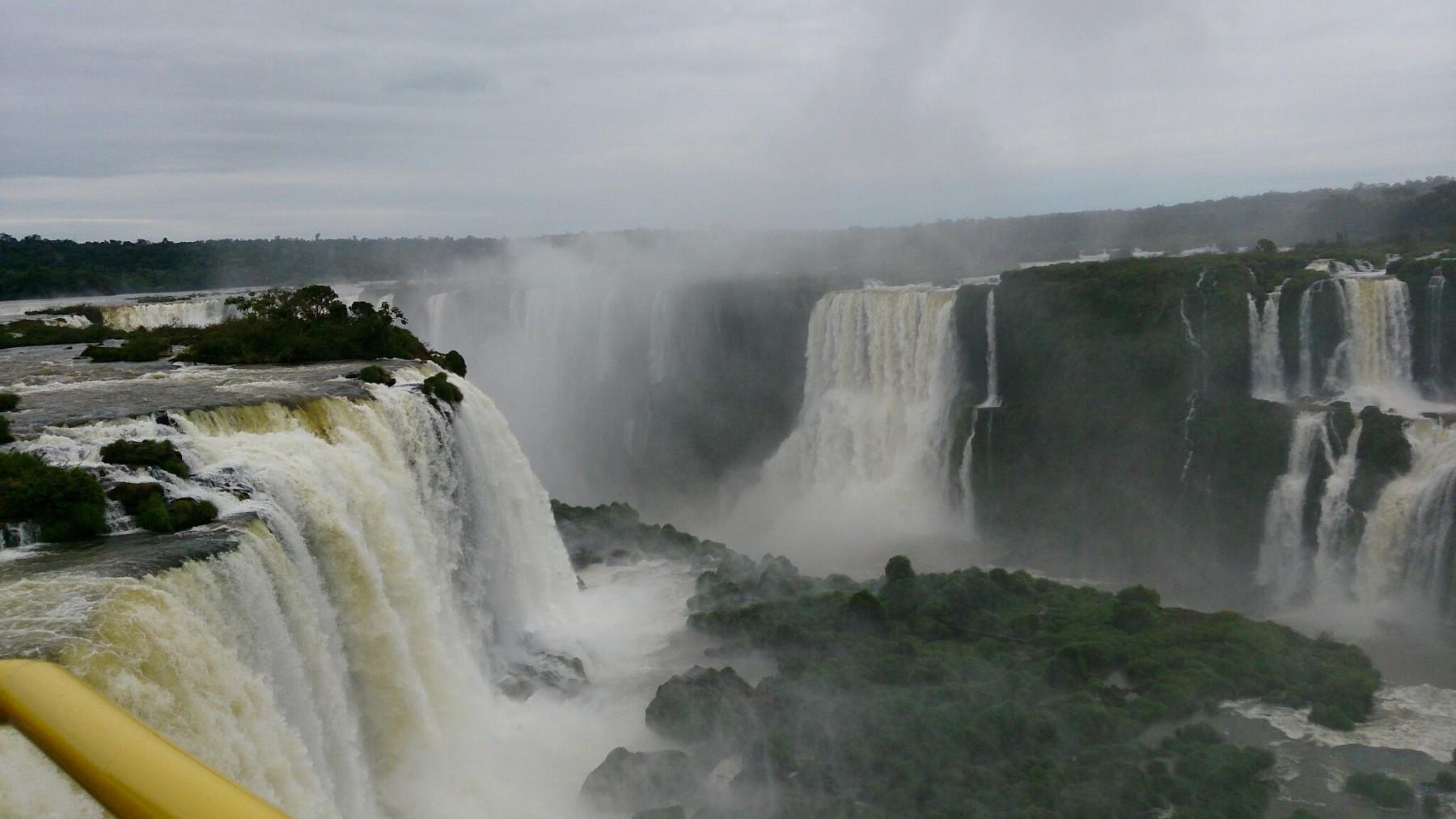 Roteiro-foz-do-iguaçu-cataratas-brasil-4-1800x1012 Roteiro Foz do Iguaçu Completo (e ÉPICO) - 3 a 5 dias