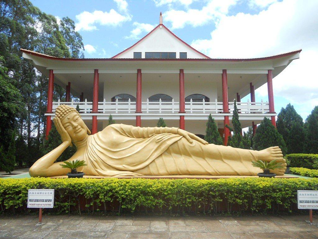 Templo-budista-foz-Credito-Wikimedia-Commons-Massimiliano Roteiro Foz do Iguaçu Completo (e ÉPICO) - 3 a 5 dias