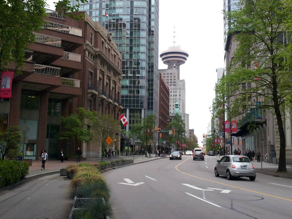 lugares-para-se-viajar-sozinho-canada-centro-vancouver Os 15 melhores lugares do mundo para se viajar sozinho (a)