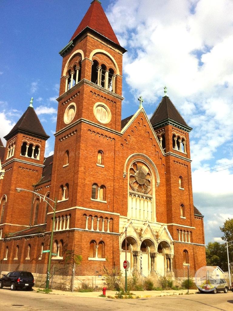 Um-roteiro-pelo-locais-de-gravação-de-Sense-8-chicago-igreja Roteiro pelos locais de gravação de Sense 8 (8 países!)