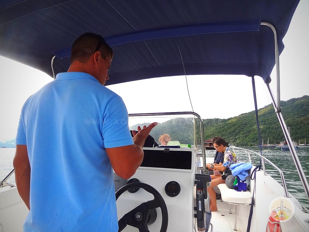 O-que-fazer-na-Ilha-Grande-roteiro-restaurantes-e-dicas-barco-1 O que fazer na Ilha Grande: Roteiro, restaurantes e dicas