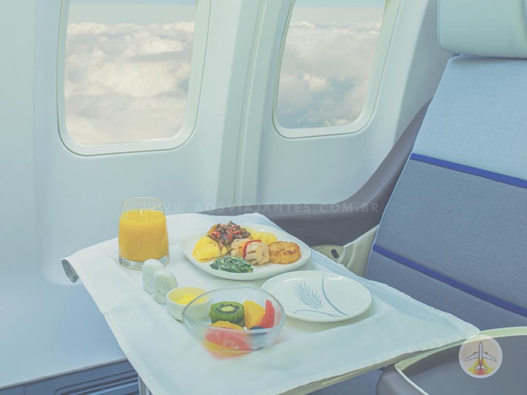 Como-planejar-sua-viagem-internacional-comida-voo Como planejar sua viagem internacional (indispensável!)