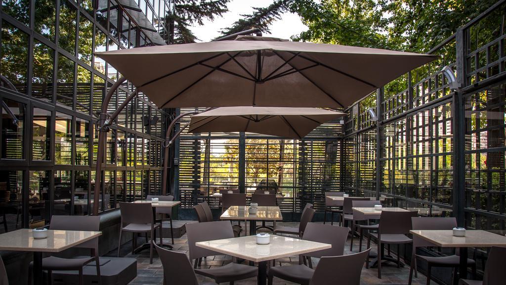 onde-ficar-em-santiago-do-chile-melhores-hotéis-kennedy-cafe-da-manha Onde ficar em Santiago do Chile melhores hotéis !