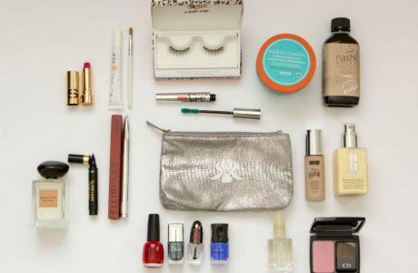 Dicas-para-economizar-espaço-na-necessaire-de-maquiagem-460x300 7 Dicas para economizar espaço na necessaire de maquiagem de viagem