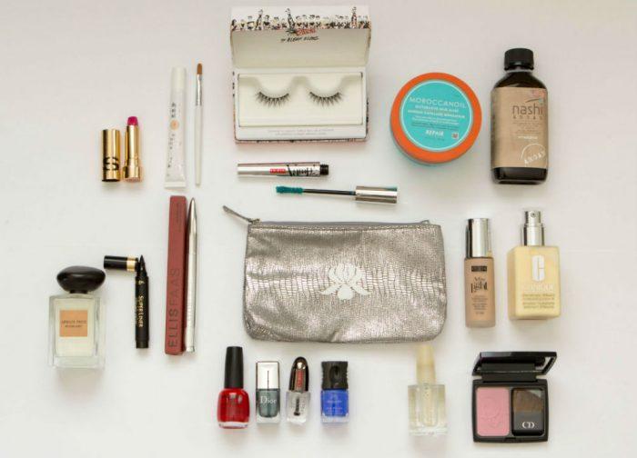 7 Dicas para economizar espaço na necessaire de maquiagem de viagem
