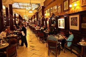 restaurantes-em-buenos-aires-cafe-tortoni-2-300x200 Restaurantes em Buenos Aires - Guia de bolso